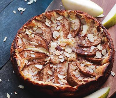tarta de peras y almendras